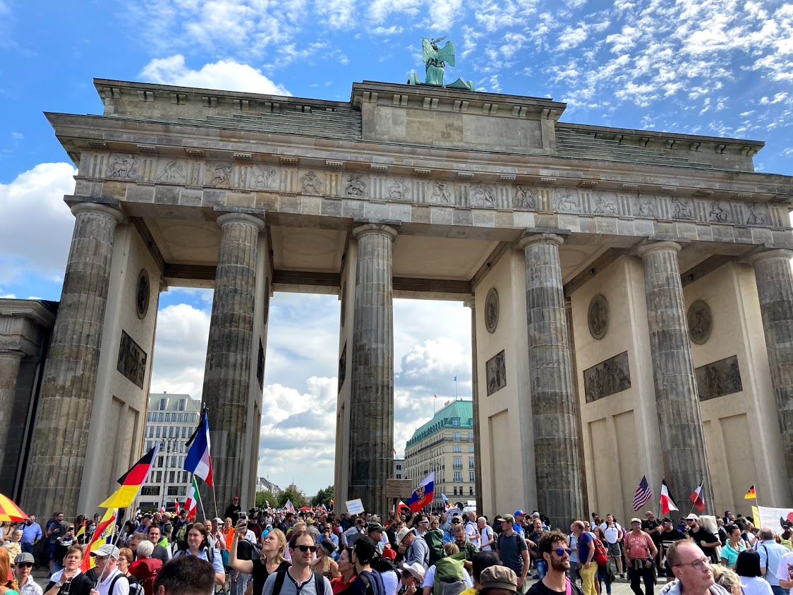Am Brandenburger Tor.