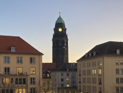 Blick vom Landhaus (Stadtmuseum) auf die Wilsdruffer Straße in Richtung Rathaus